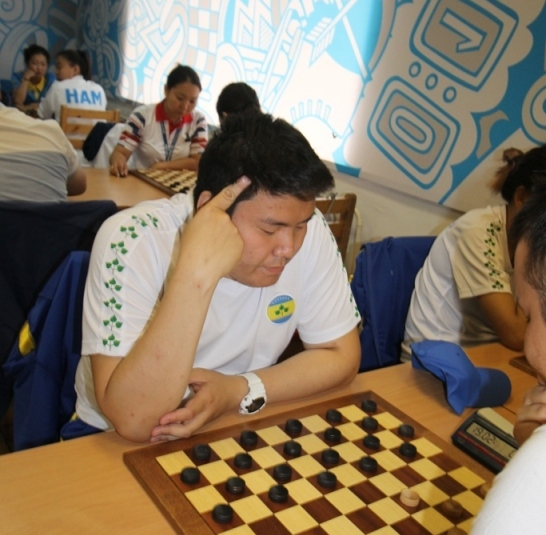 Андреев Айсен чемпион в шашках