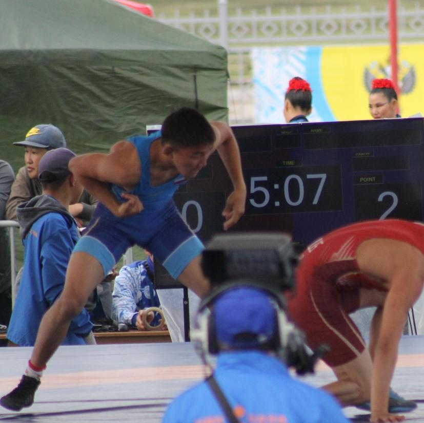 Васильев Михаил чемпион в борьбе 57 кг