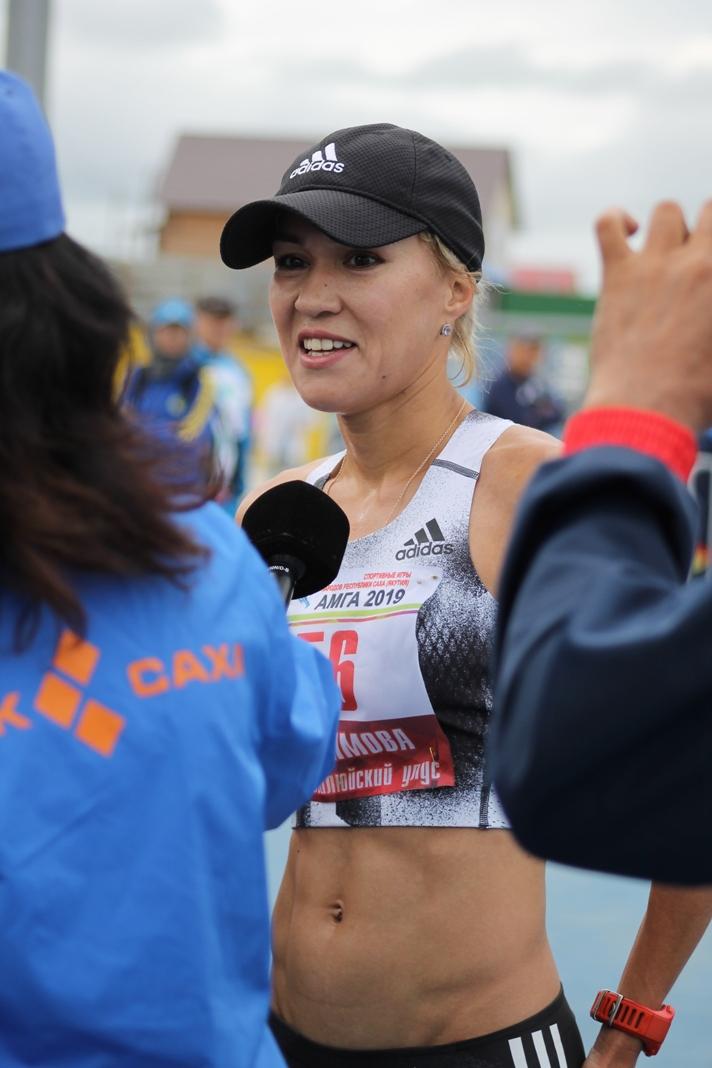 Трофимова Сардаана чемпитон ан 5000 м и марафоне
