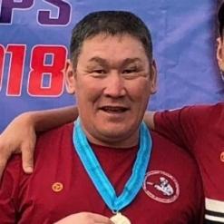Артур Николаев