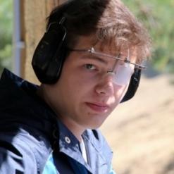 Александр Петров
